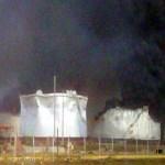 La explosión afectó al menos 9 tanques de almacenamiento y algunas zonas residenciales cercanas a la Refinería.