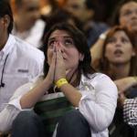 Venezuela entre la tristeza y la alegría una vez conocido el triunfo de Chávez.