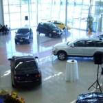 En Venezuela hay que tener 70 salarios mínimos para comprar un carro de agencia.