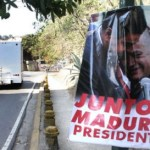 Los afiches que fueron colocados en Caracas, que lo postulan como candidato a la Presidencia en caso de una eventual elección.