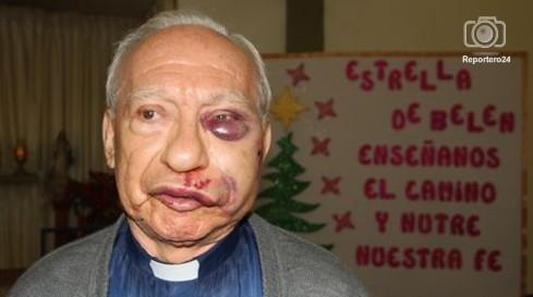 Al cura de la parroquia San Martín de Porres de Caricuao, Marco Robayo, no lo mataron esa noche.