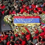 Cortejo fúnebre con restos de Chávez llegó a la Academia Militar