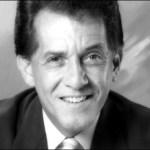 Félix, nacido en Santa Clara, Cuba en 1931, llegó a Venezuela en 1961, país que lo acogió y le vio crecer como un profesional de las artes escénicas.