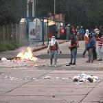 Ulandinos saltaron a las calles rechazando el asesinato del estudiante Juan Carlos Dávila Barrios.
