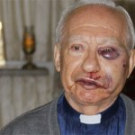 El sacerdote Marcos Robayo fue golpeado por delincuentes que intentaron robar la iglesia San Martín de Porras, en Caricuao.