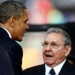 El apretón de manos de Obama a Castro divide a los cubanos de Miami. Esta es la primera ocasión en la que ambos mandatarios se saludan públicamente.