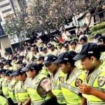 Cerca de las 11:00 de la mañana, los manifestantes llenaban tres cuadras de la avenida Francisco de Miranda. Pero las rutas posibles de caminata hacia el Ministerio de Interior y Justicia,  en la avenida Urdaneta, se encontraban restringidas por piquetes de la GN.