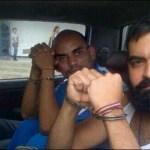 Raúl Emilio Baduel y Alexander Tirado, cuando eran trasladados a la cárcel de Uribana (Foto : @CarlosGuyonCeli).