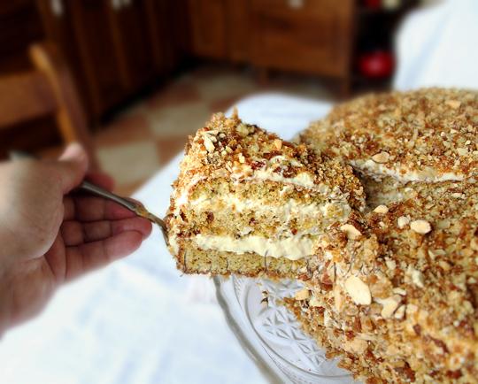 tort cu nuci, caramel si sirop de artar 10sem