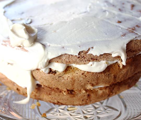 tort cu nuci, caramel si sirop de artar 8
