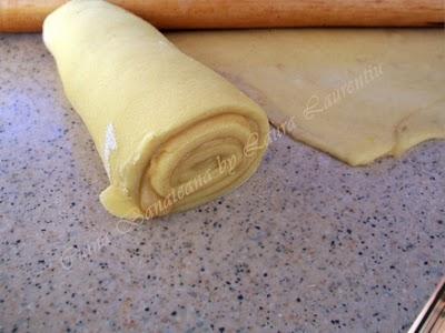Preparare Placinta cu branza dulce 5