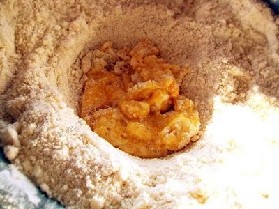 Preparare Prajitura cu branza dulce si stafide 1