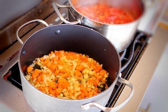 preparare supa de rosii 2