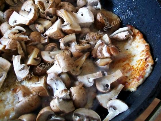 escalop de porc cu ciuperci 4