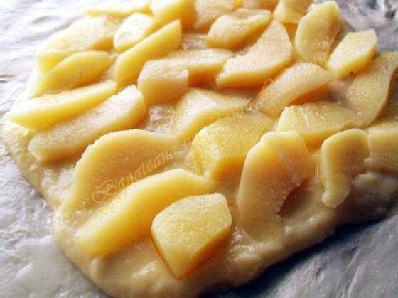 placinta cu crema de vanilie si pere 2