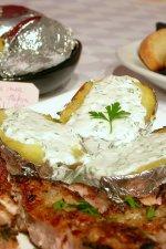 Cartofi copti in staniol, cu sos de iaurt by stefanpizza
