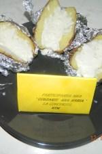 Cartofi copti in staniol, cu sos de iaurt by aryana