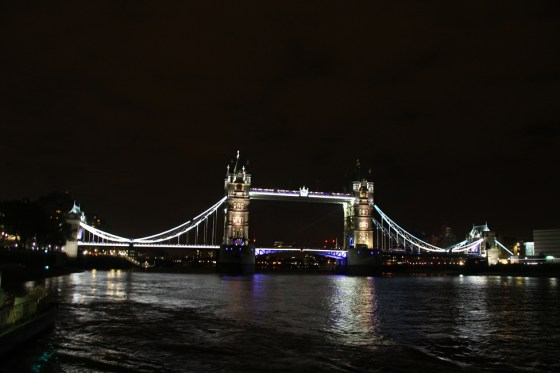 london bridge by night