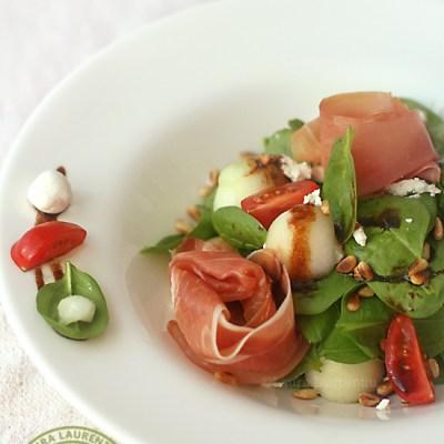 Salata de spanac cu prosciutto si pepene