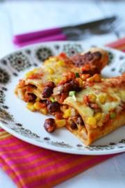 Enchiladas cu pui, fasole si porumb