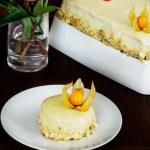 Tort-cu-ciocolata-nectarine-si-migdale-1