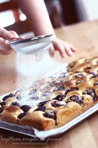 prajitura cu prune reteta laura laurentiu - retetecalamamaro 1