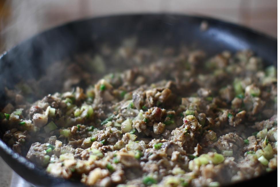 clatite cu carne-aperitiv mod de preparare 2