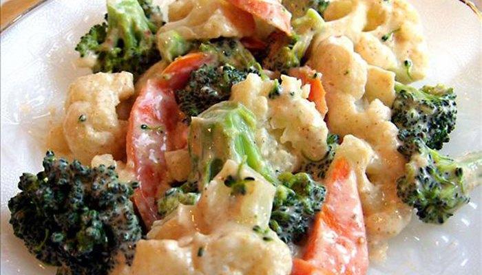 Reteta salata africana cu broccoli si conopida