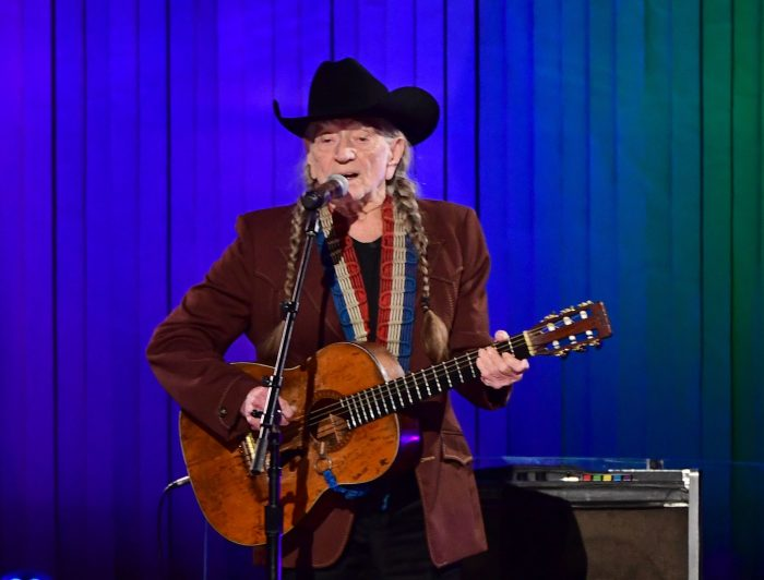 willie nelson almost sang the gambler instead of kenny rogers