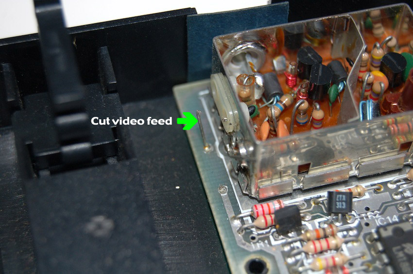 Cut The Video Feed Wire As Close To RF Shielding Box Possible Pics I And J You Will Now Solder A Between This Centre Pin On