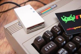 The case of this SD2IEC is made from a recycled C64C