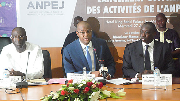Mame Mbaye Niang ministre de l'emploi et Amadou Lamine Dieng ANPEJ