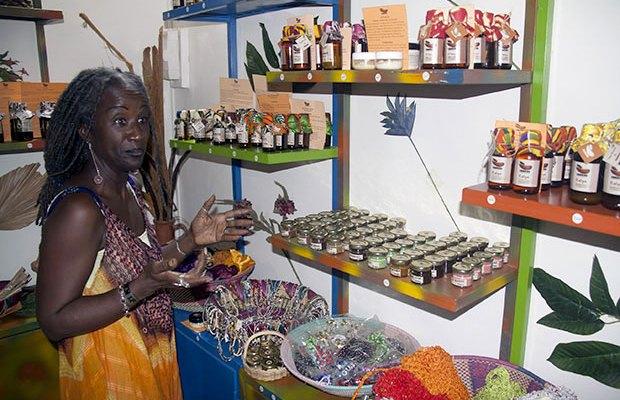 Docteur, Aicha Conté «vendeuse» de bien être