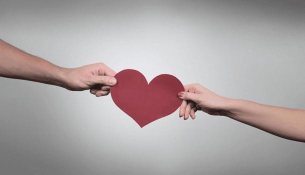 Migalhas não preenchem o coração. Quando não existe uma troca, não existe nada