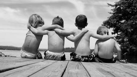 'Amigo é um pedaço de ti que não nasceu contigo'
