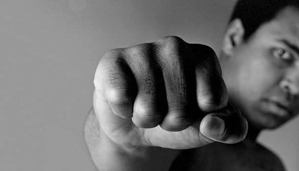 As lutas de Muhammad Ali não eram apenas lutas. Eram espetáculos… artísticos