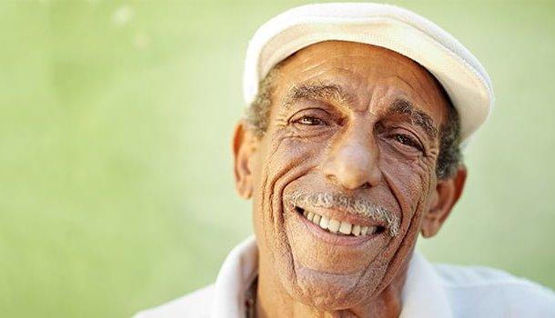 Espalhe sorrisos. No mínimo, você salvará o dia de alguém