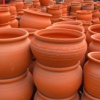Vasos de barro - conheça benefícios e modelos diversos