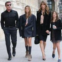 Sylvester Stallone et sa famille à Paris : Un papa prévenant
