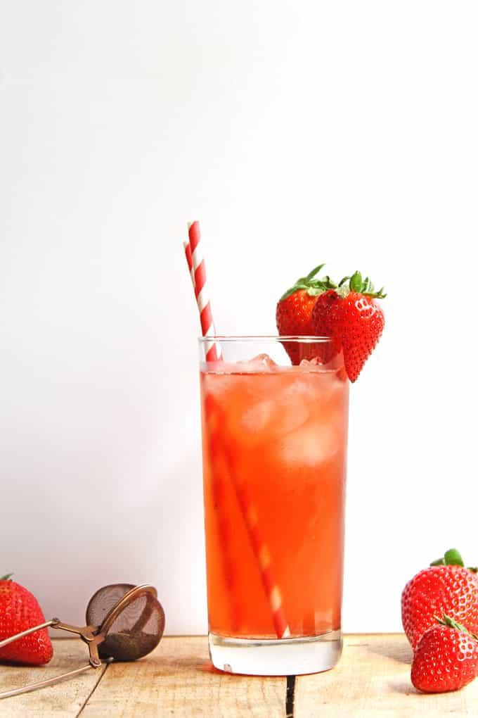 Strawberry nettle iced tea | Rhubarbarians