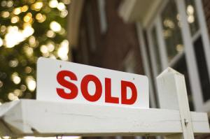 home-sold-sign-house