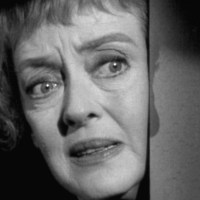 [Film - Critique] Chut, chut, chère Charlotte (1964) de Robert Aldrich: Bette Davis Vs. Olivia de Havilland