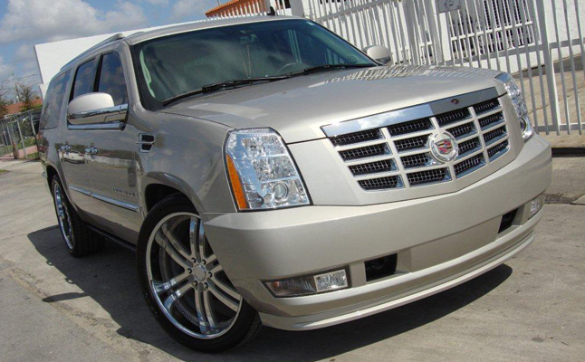Rides cars Cadillac-Escalade-Joel-Pineiro