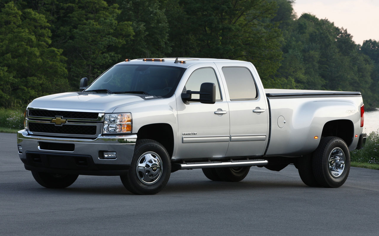 rides cars 2011 Chevrolet Silverado 3500HD