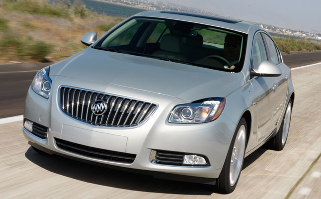 rides cars 2011-Buick-Regal