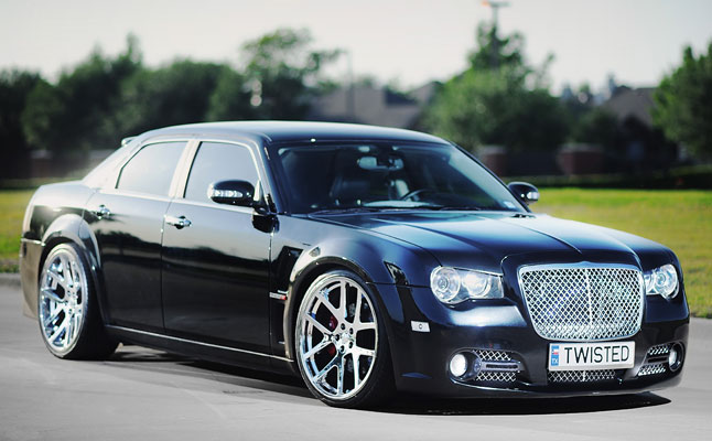 dfwlx-chrysler-300c-srt8