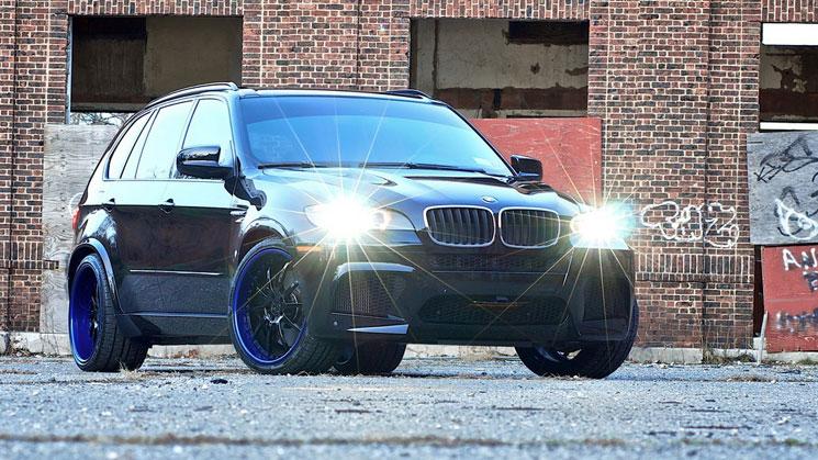 Strasse-Forged-BMW-X5-M-rides-r10-lamborghini-caleum-blu-lip-22-inch