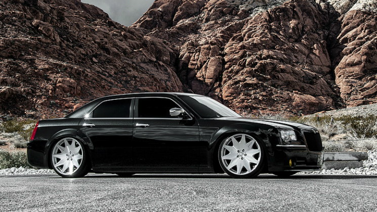 black chrysler 300C rides