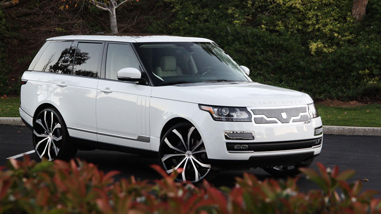 2013-Range-Rover-HSE-rides-lexani-lust-grille-white