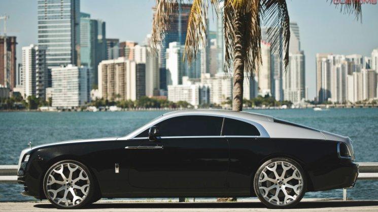 YUNEL ESCOBAR Rolls Royce Wraith 08R